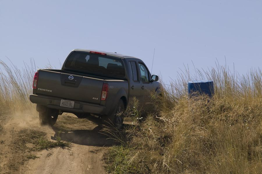 2010 Nissan Frontier Photo 6 of 20