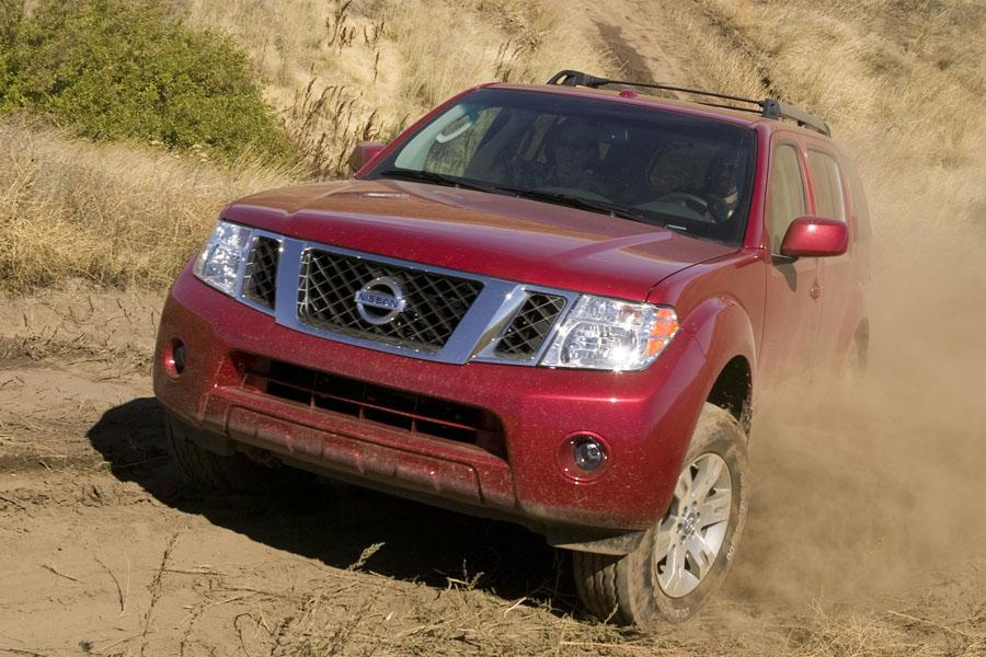2010 Nissan Pathfinder Photo 4 of 20