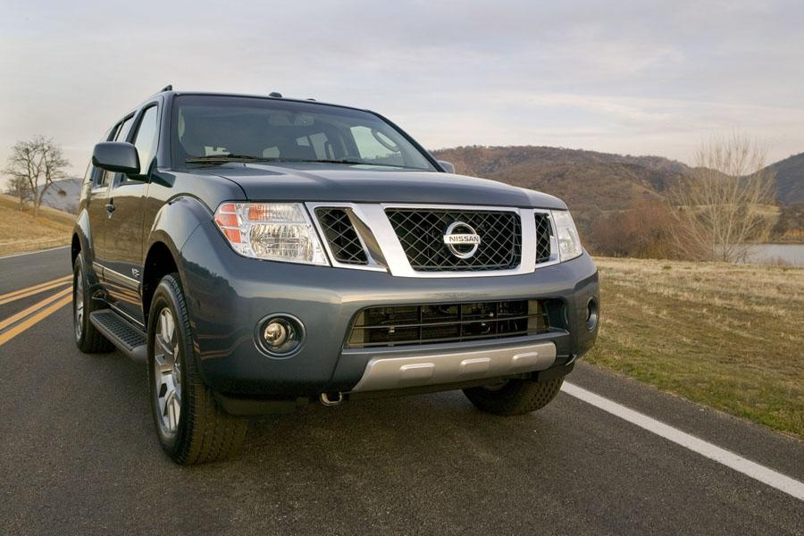 2010 nissan pathfinder reviews specs and prices. Black Bedroom Furniture Sets. Home Design Ideas