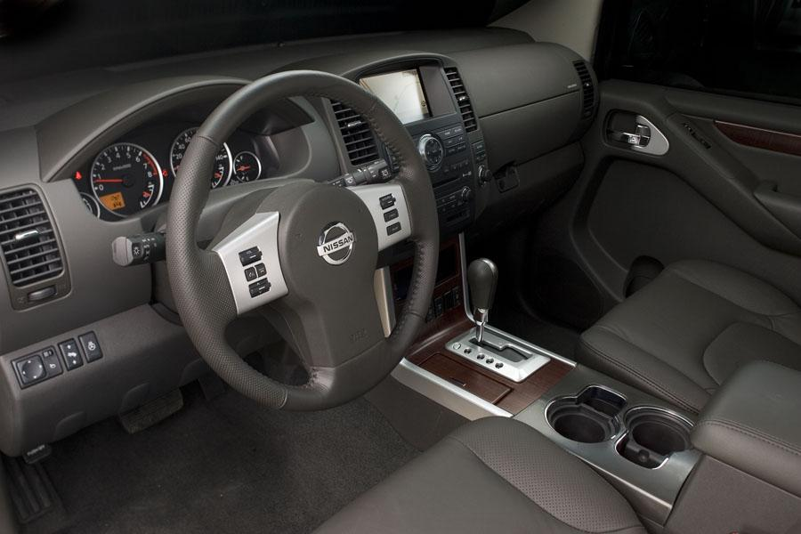 2010 Nissan Pathfinder Reviews Specs And Prices Cars Com