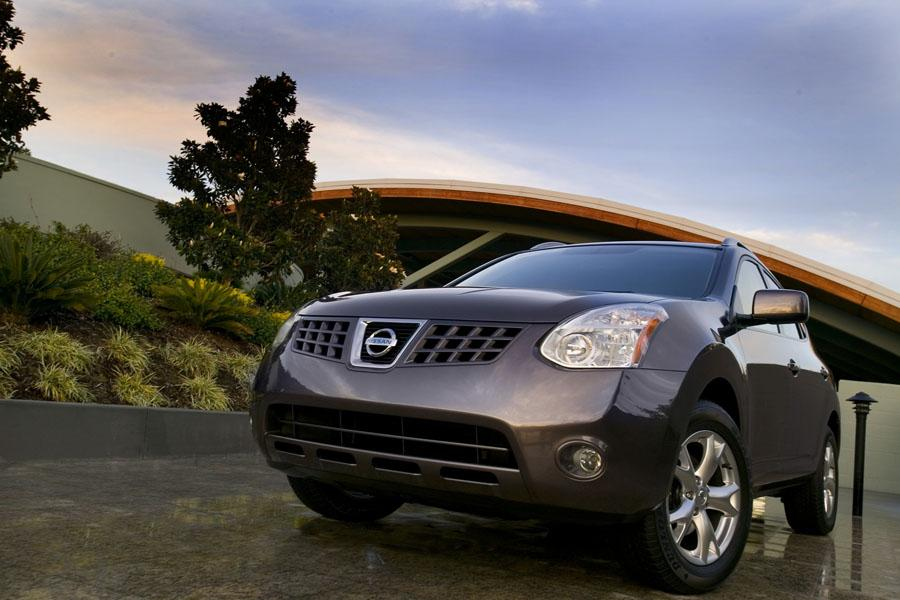 2010 Nissan Rogue Photo 4 of 17