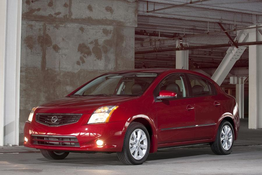 2010 Nissan Sentra Photo 1 of 19