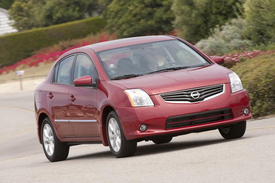2010 Nissan Sentra Photo 3 of 19