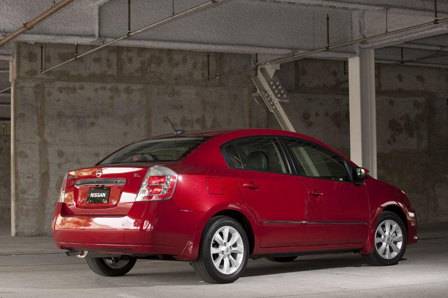 2016 Nissan Sentra Mpg >> 2010 Nissan Sentra Specs, Pictures, Trims, Colors || Cars.com