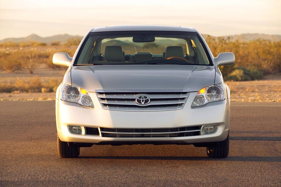 2010 Toyota Avalon Overview  Carscom