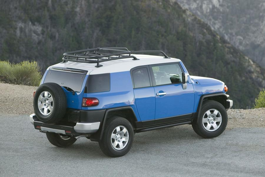 2010 Toyota FJ Cruiser Photo 2 of 20
