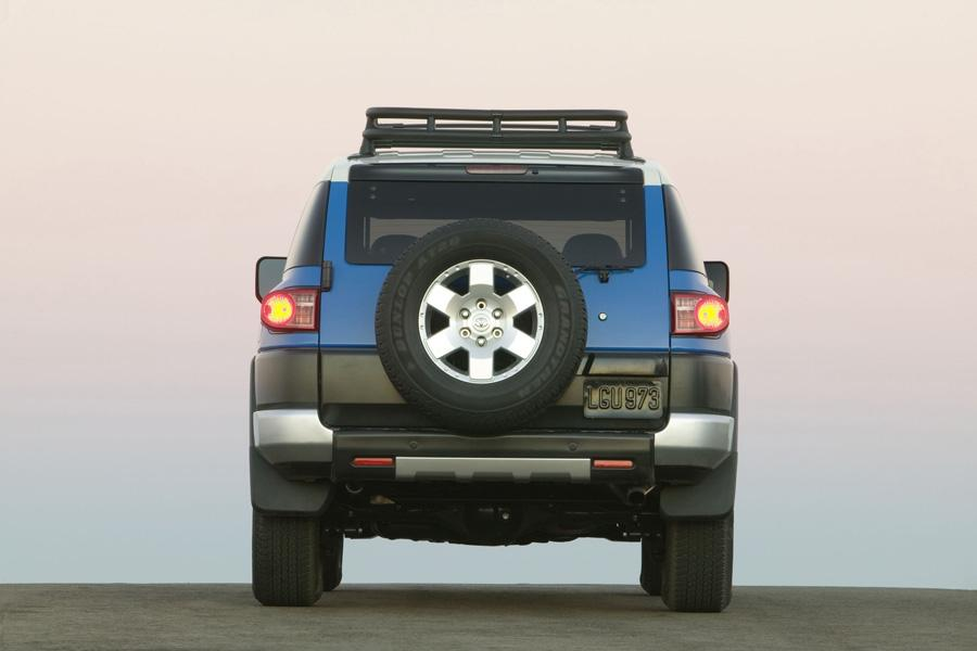 2010 Toyota FJ Cruiser Photo 5 of 20