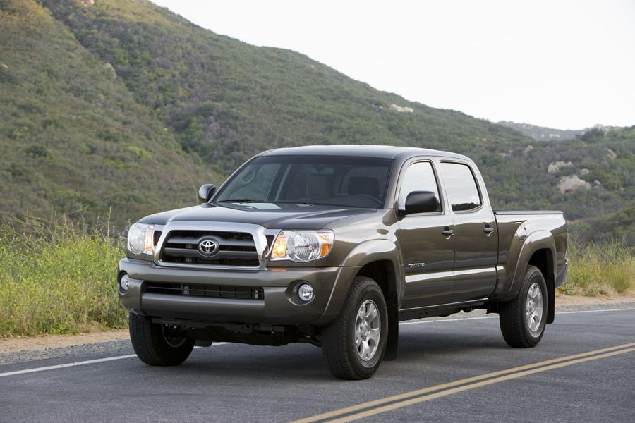 2010 Toyota Tacoma Photo 3 of 20