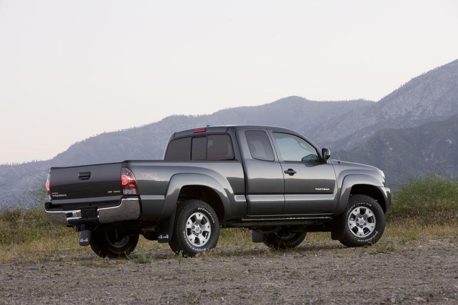 2010 Toyota Tacoma Photo 4 of 20