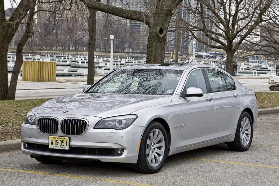 2010 BMW 750 Photo 1 of 20