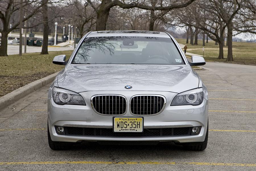 2010 BMW 760 Photo 3 of 22