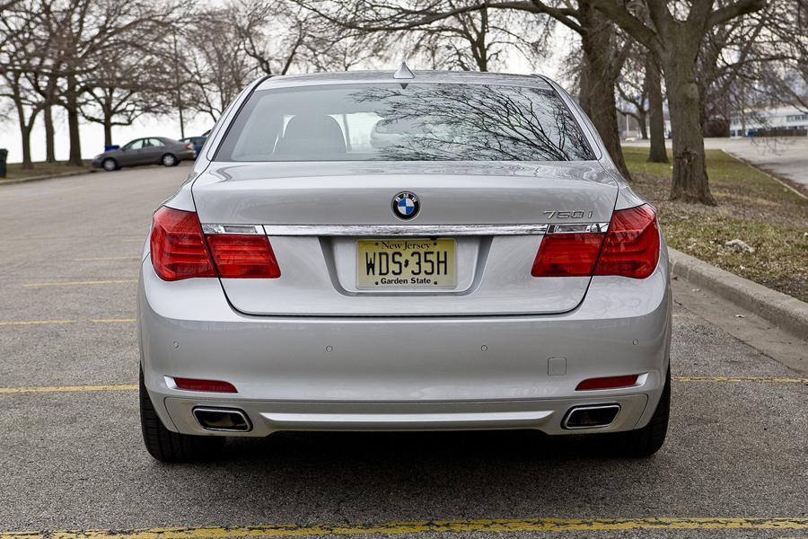 2010 BMW 760 Photo 6 of 22