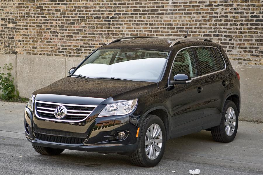 2010 Volkswagen Tiguan Photo 1 of 20