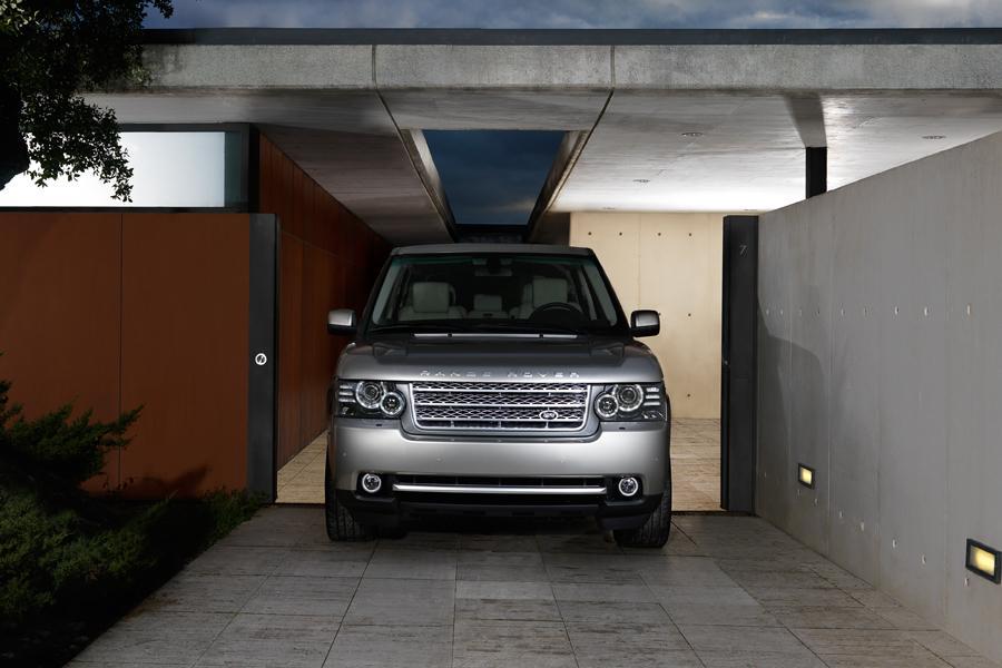 2010 Land Rover Range Rover Photo 4 of 19