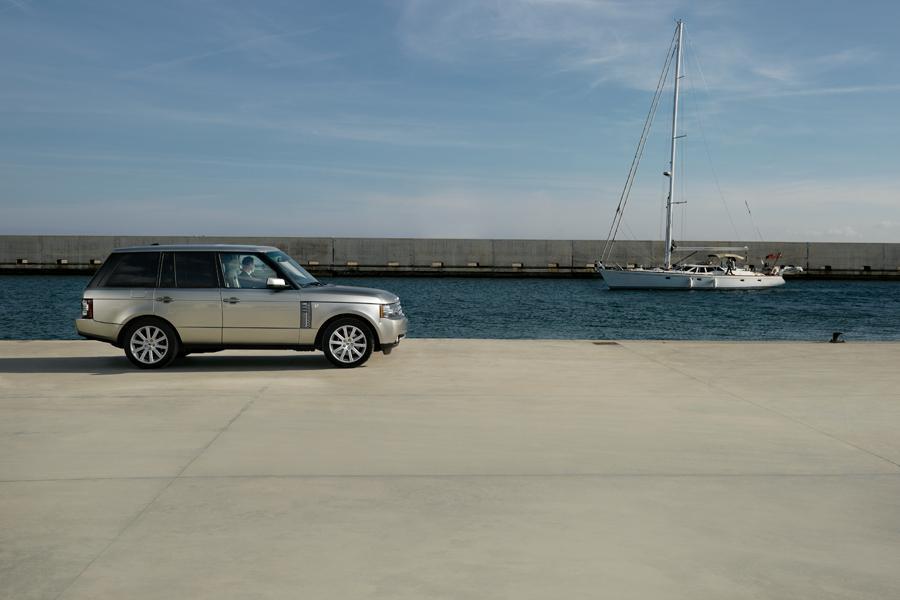 2010 Land Rover Range Rover Photo 5 of 19