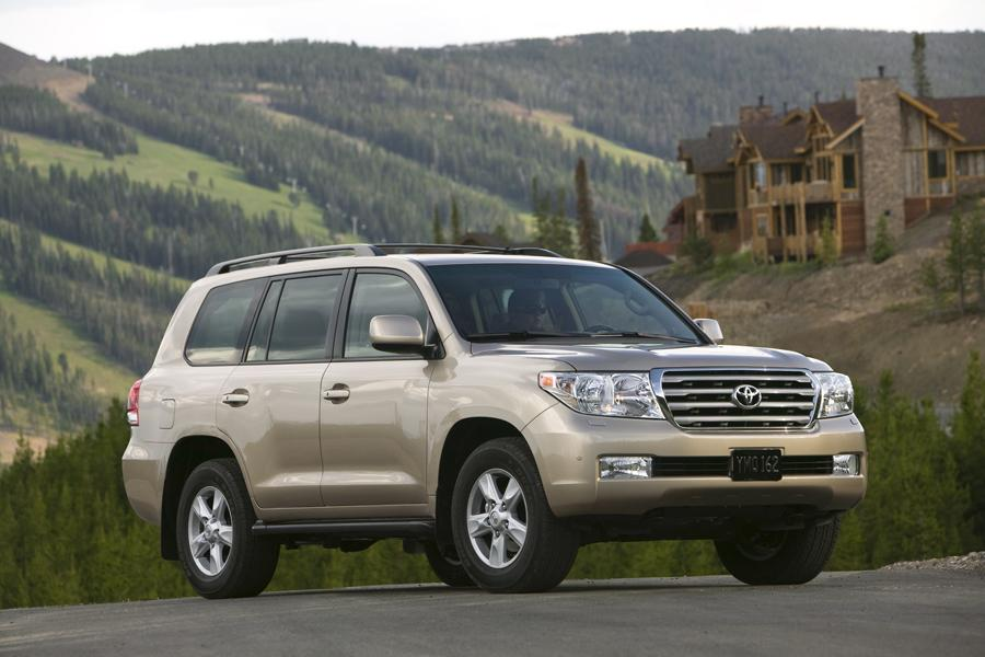 2010 toyota land cruiser overview. Black Bedroom Furniture Sets. Home Design Ideas