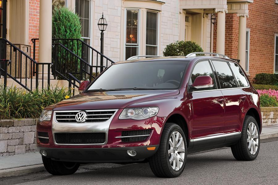2010 Volkswagen Touareg Photo 4 of 19