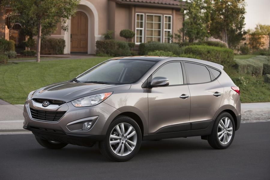 2010 Hyundai Tucson Photo 1 of 20