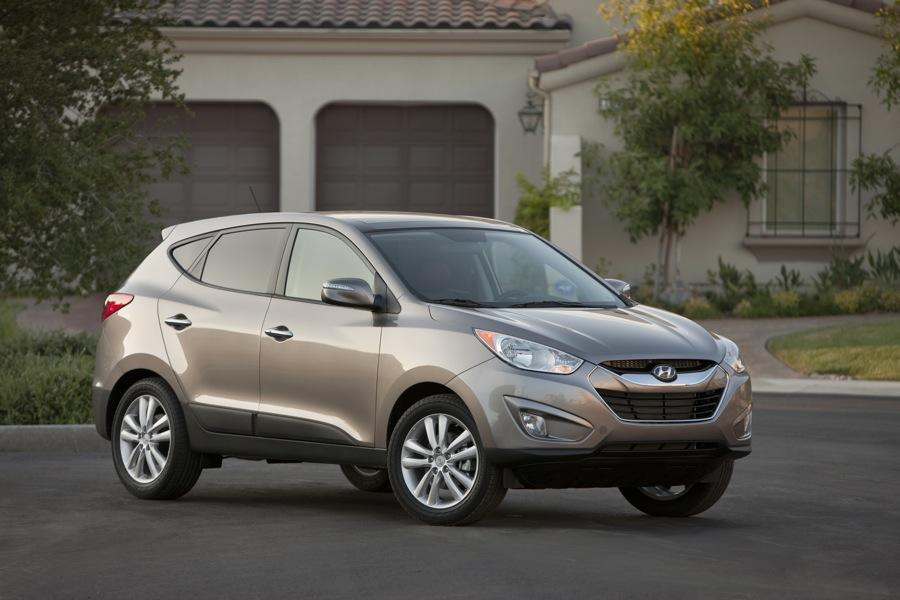 2010 Hyundai Tucson Photo 3 of 20