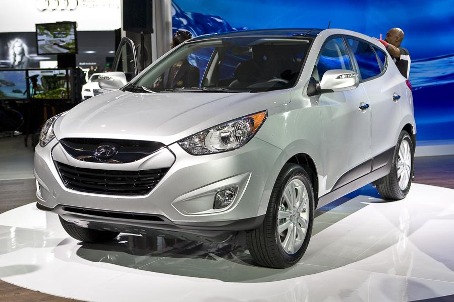 2010 hyundai tucson reviews specs and prices. Black Bedroom Furniture Sets. Home Design Ideas