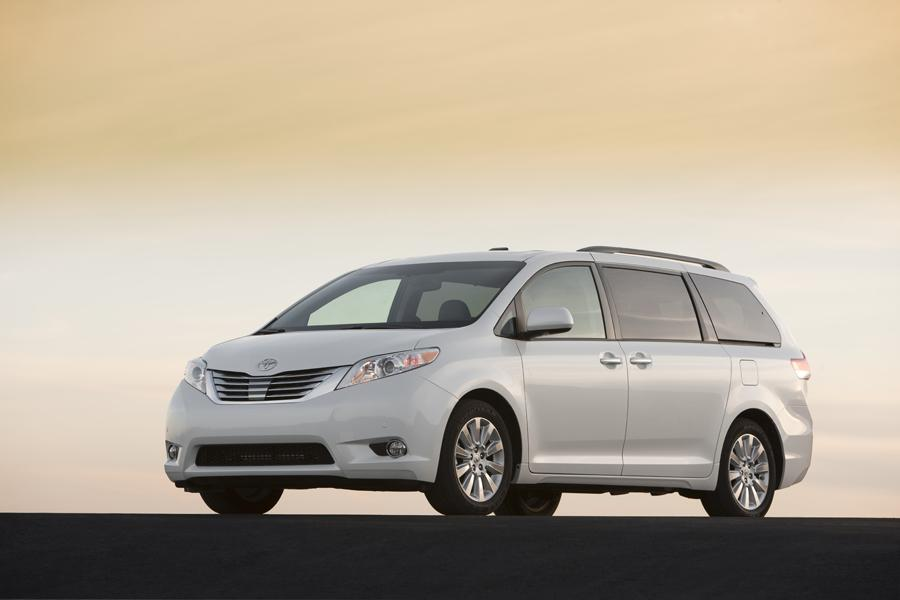 2011 Toyota Sienna Photo 1 of 20