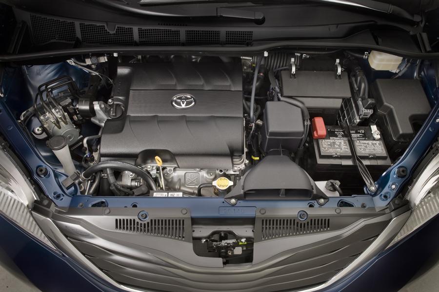 2011 Toyota Sienna Specs, Pictures, Trims, Colors || Cars.com