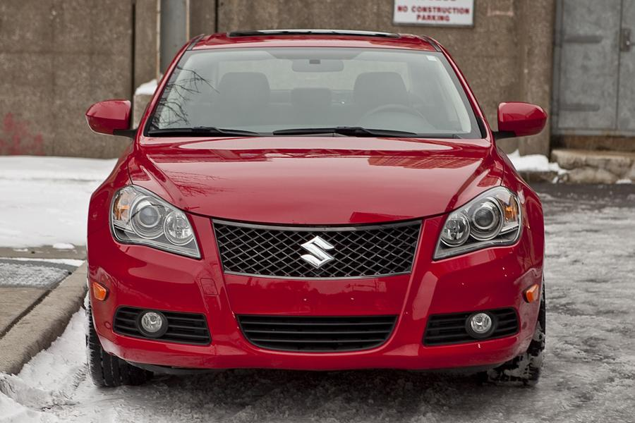 2010 Suzuki Kizashi Photo 2 of 20