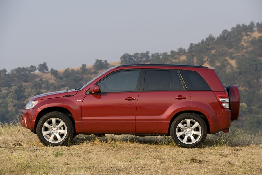 2010 Suzuki Grand Vitara Photo 4 of 20