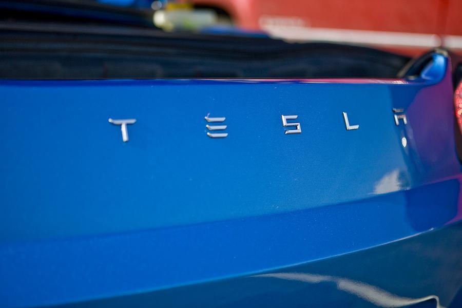 2010 Tesla Roadster Photo 4 of 20