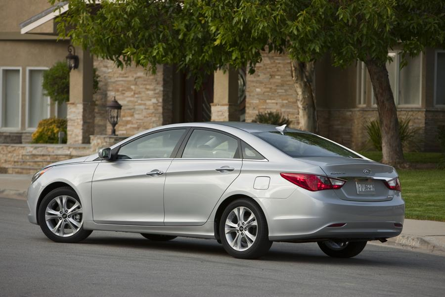 2011 Hyundai Sonata Photo 3 of 20