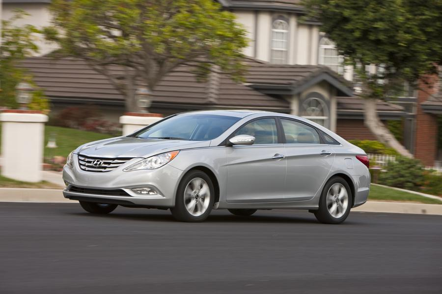 2011 Hyundai Sonata Photo 5 of 20