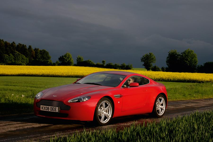 2010 Aston Martin V8 Vantage Photo 1 of 20