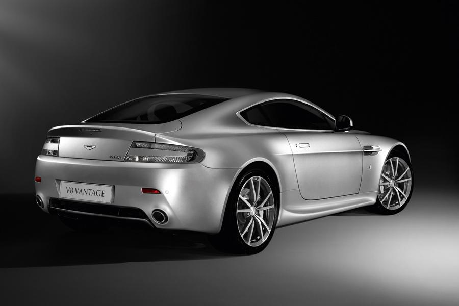 2010 Aston Martin V8 Vantage Photo 3 of 20