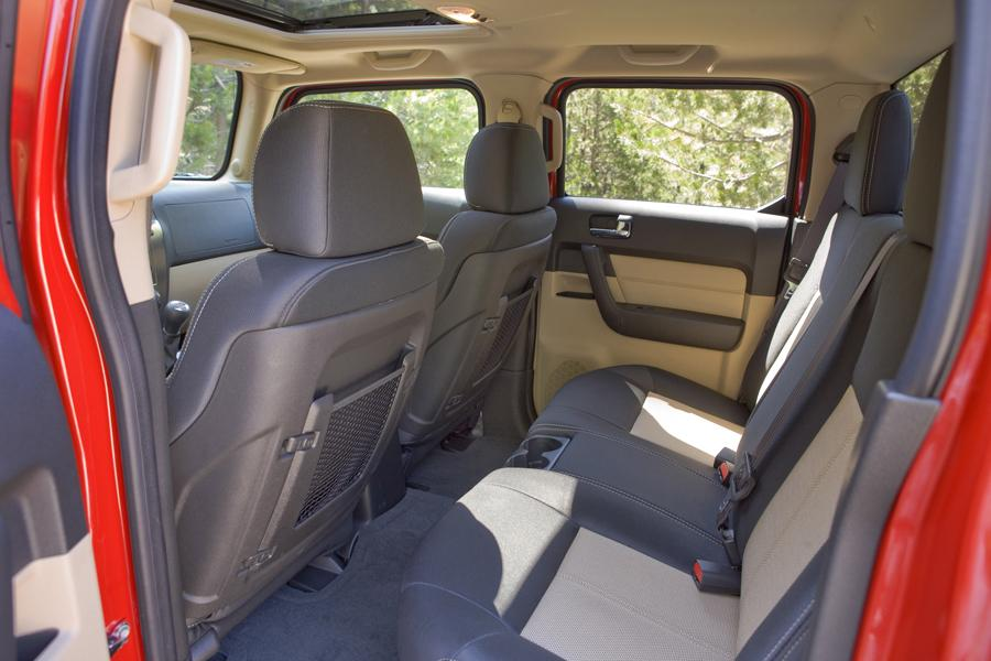 Hummer H3t For Sale >> Hummer H3T Truck Models, Price, Specs, Reviews | Cars.com