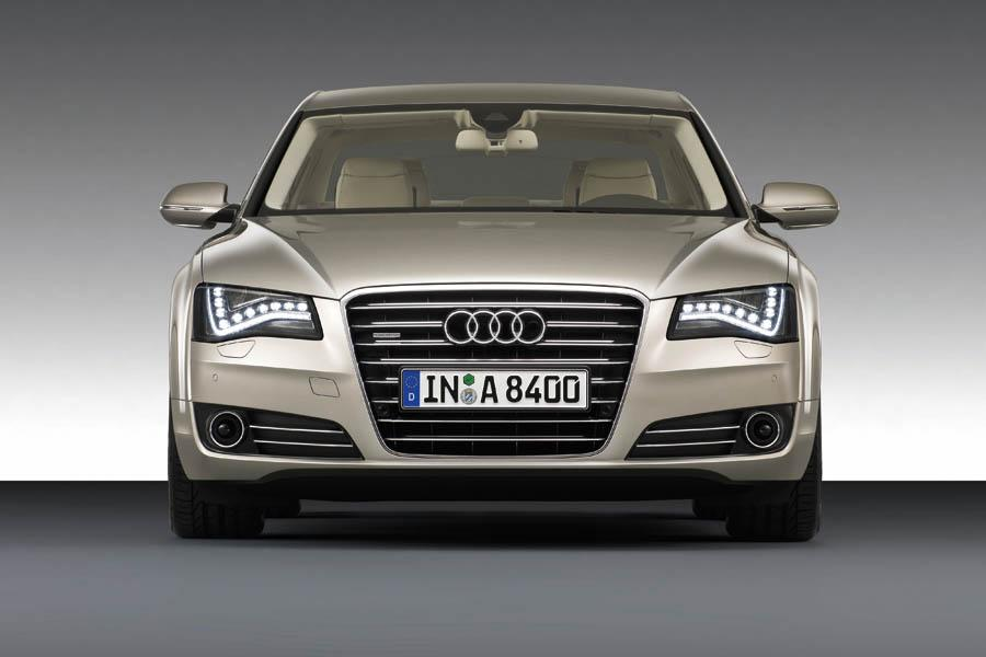 2011 Audi A8 Photo 2 of 21