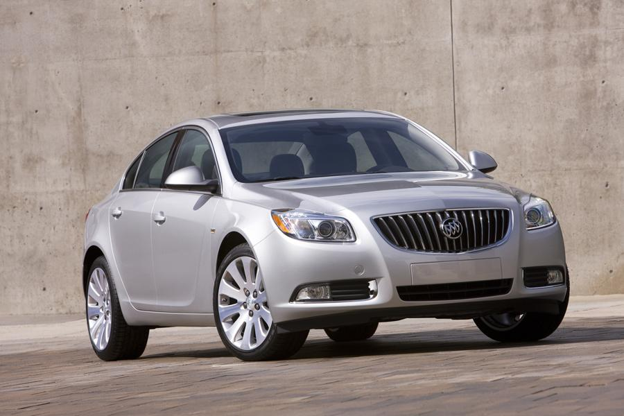 2011 Buick Regal Photo 1 of 20