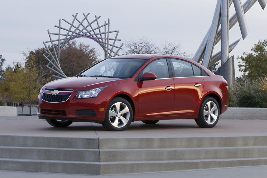 2011 Chevrolet Cruze Photo 1 of 24