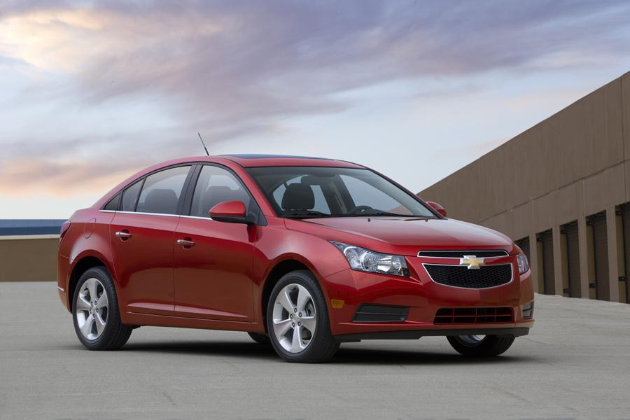 2011 chevrolet cruze overview. Black Bedroom Furniture Sets. Home Design Ideas