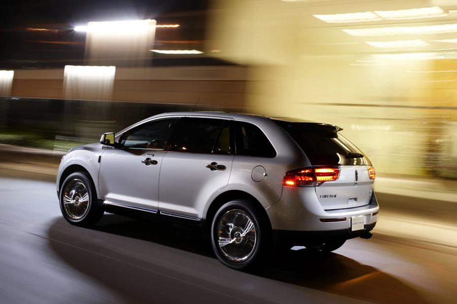 2011 Lincoln MKX Photo 2 of 20