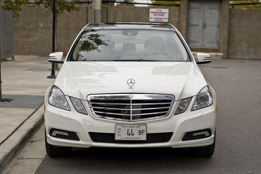 2011 mercedes benz e class overview for Mercedes benz e 2011