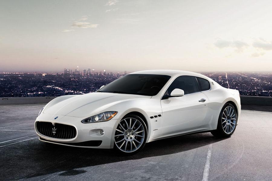 2010 Maserati GranTurismo Photo 1 of 21