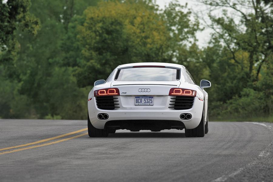 2011 Audi R8 Photo 2 of 20
