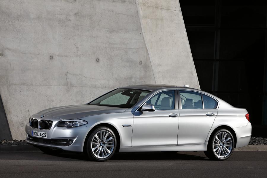 2011 BMW 550 Photo 2 of 16