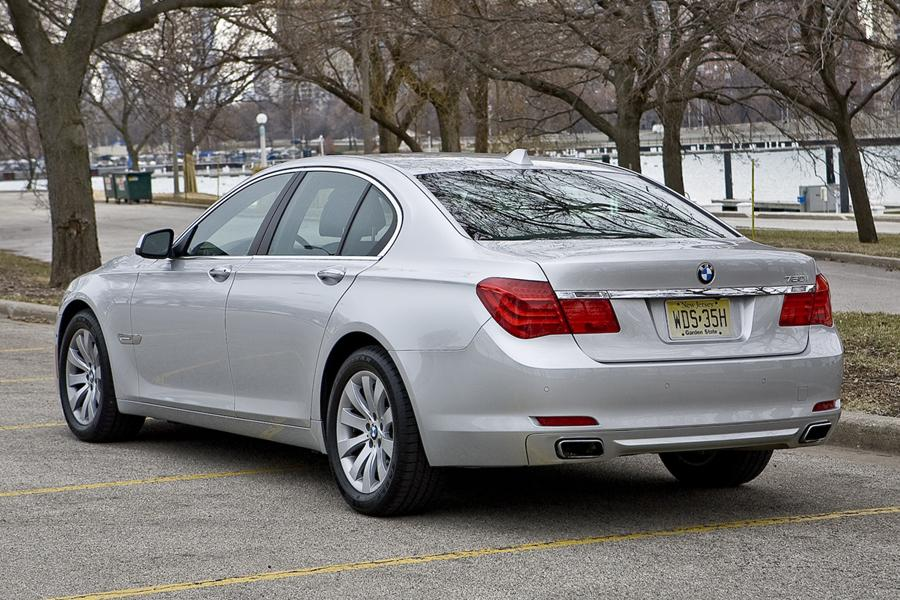 2011 BMW 740 Photo 4 of 20