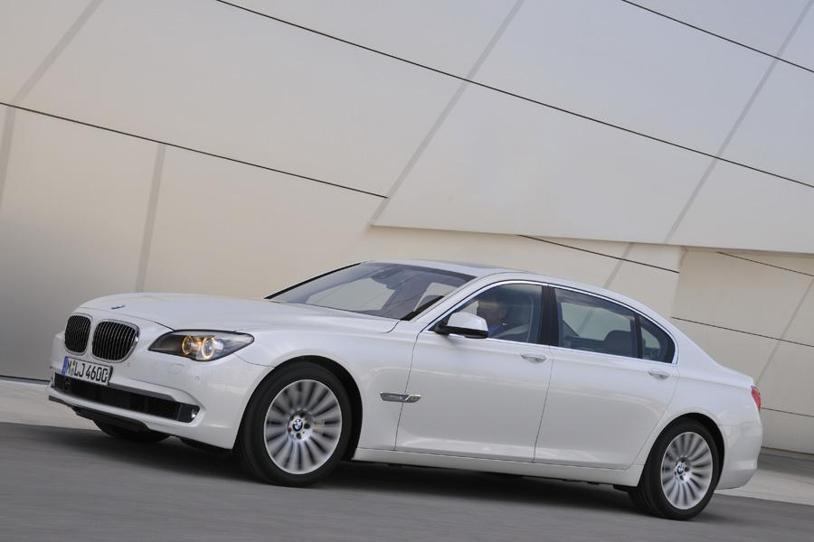 2011 BMW 750 Photo 1 of 20