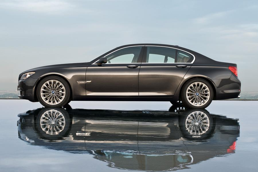 2011 bmw 750 reviews specs and prices. Black Bedroom Furniture Sets. Home Design Ideas