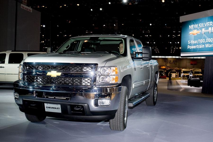 2011 Chevrolet Silverado 2500 Photo 2 of 21