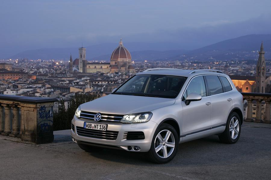 2011 Volkswagen Touareg Photo 1 of 19