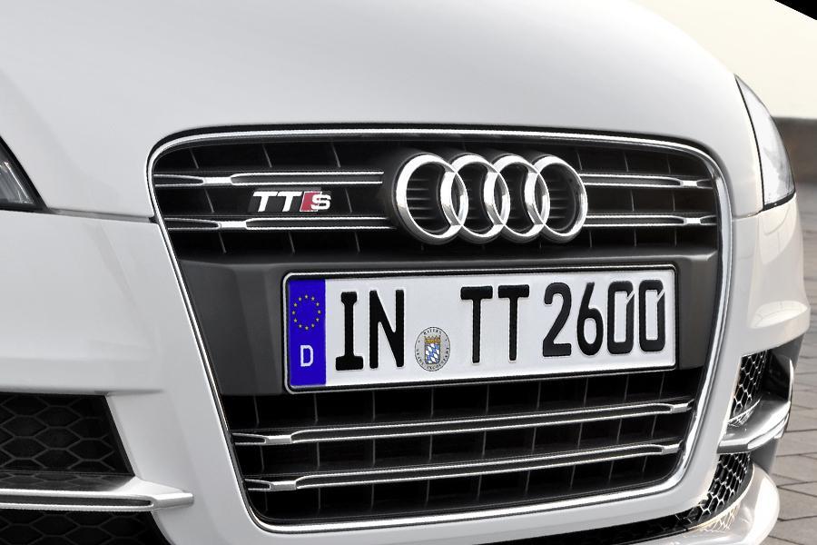 2011 Audi TTS Photo 2 of 20