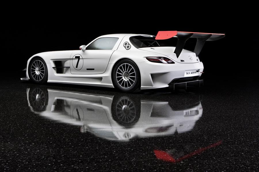 2011 Mercedes-Benz SLS AMG Photo 2 of 20